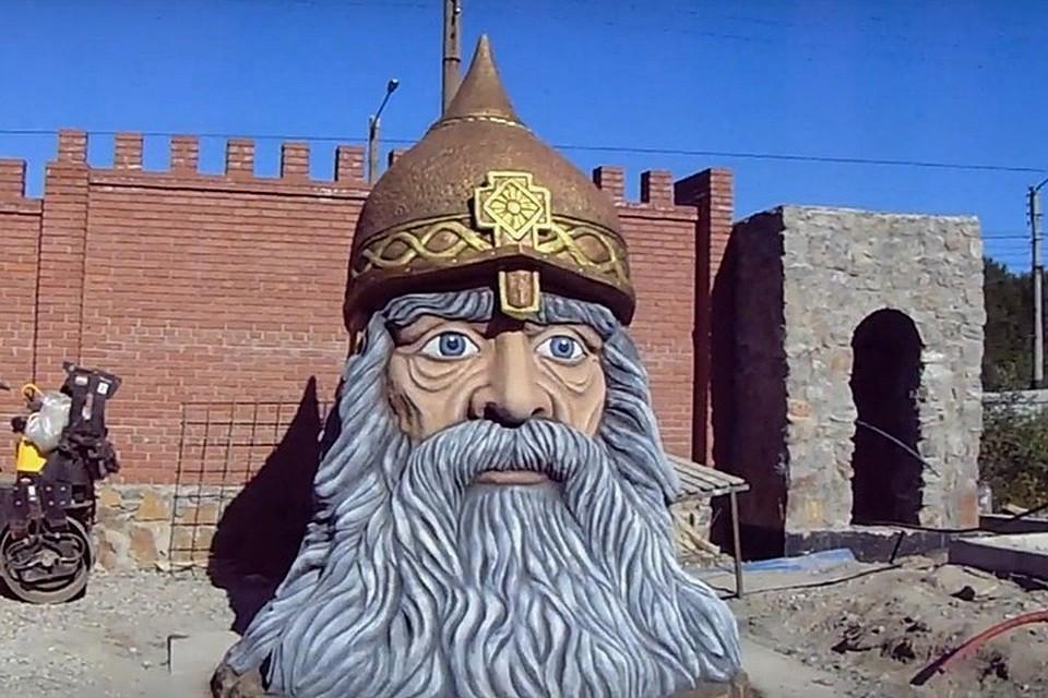 Дуб Лукоморья, голова витязя и лебеди-злодеи: как строится ...